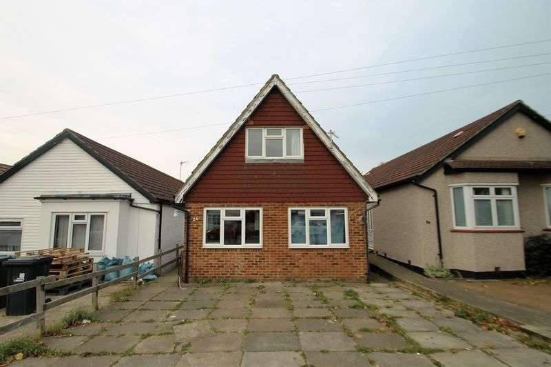 4 Bedrooms Detached Bungalow for sale in Eastmead Avenue, Greenford