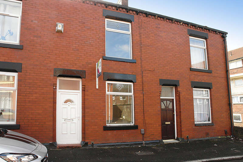 2 Bedrooms Terraced House for sale in 4 Adlington Street, Watersheddings, Oldham