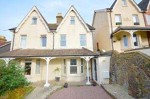 3 Bedrooms House for sale in Shakespeare Road, Dover, Kent
