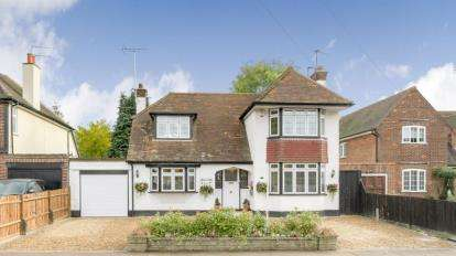 3 Bedrooms Detached House for sale in Shepherds Road, Watford, Hertfordshire