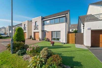 4 Bedrooms Detached House for sale in Crofton Drive, Renfrew, Renfrewshire