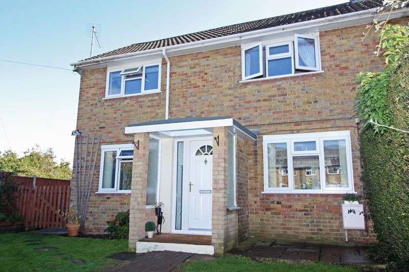 4 Bedrooms Semi Detached House for sale in Pigeon Close, Blandford Forum