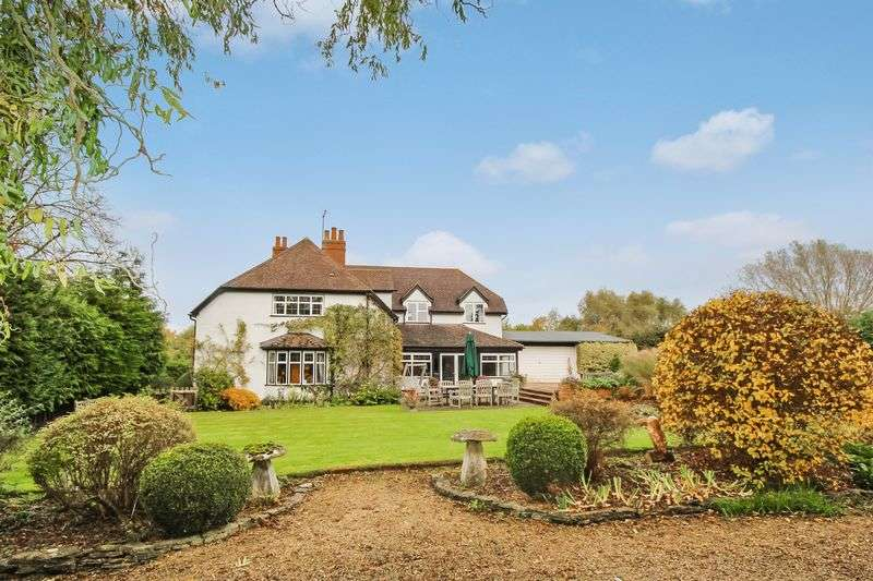 5 Bedrooms Detached House for sale in Broadway Road, Cheltenham