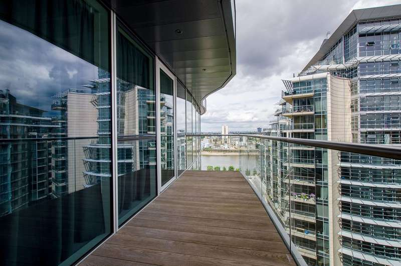 2 Bedrooms Flat for sale in Juniper Drive, Battersea, SW18