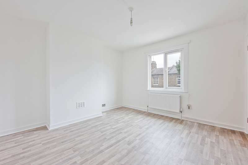 3 Bedrooms Terraced House for sale in Old Oak Lane, London