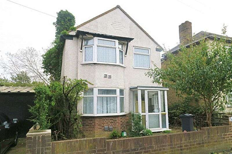 3 Bedrooms Detached House for sale in FRUEN ROAD, FELTHAM