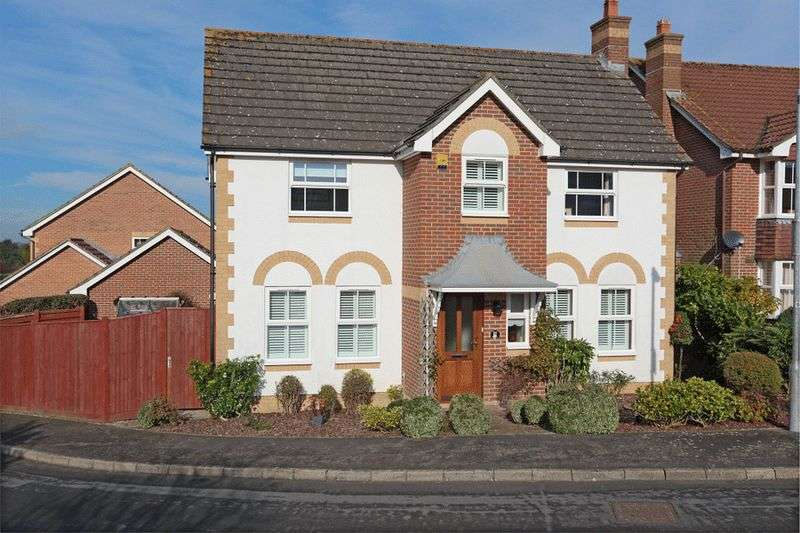 4 Bedrooms Detached House for sale in New Barn Lane, Uckfield, East Sussex