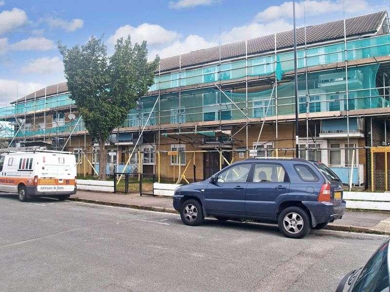 2 Bedrooms Flat for sale in Pridham Road, Thornton Heath,CR7