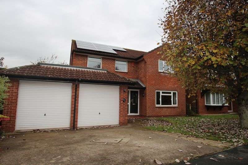 4 Bedrooms Detached House for sale in Sunnyvale Drive Longwell Green Bristol