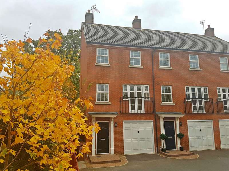 4 Bedrooms End Of Terrace House for sale in Langstone Ley, Welwyn Garden City, Herts
