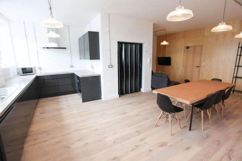 6 Bedrooms Flat for rent in Kempston Street, Liverpool