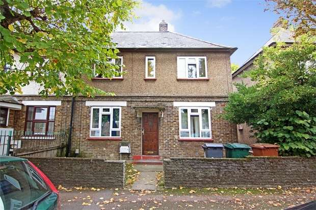 2 Bedrooms Semi Detached House for sale in Carlton Road, Walthamstow, London