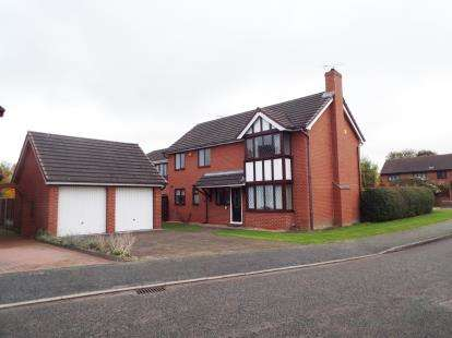 4 Bedrooms Detached House for sale in Portree Drive, Holmes Chapel, Crewe, Cheshire