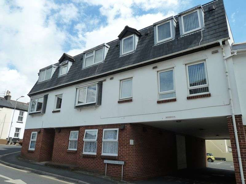1 Bedroom Flat for sale in Brooklands, Dawlish