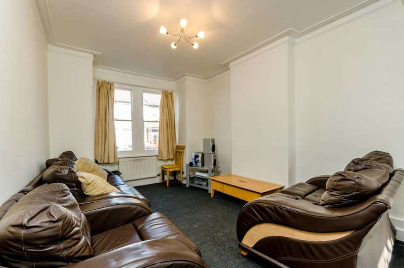 2 Bedrooms Maisonette Flat for sale in Woodside Road, South Norwood, SE25
