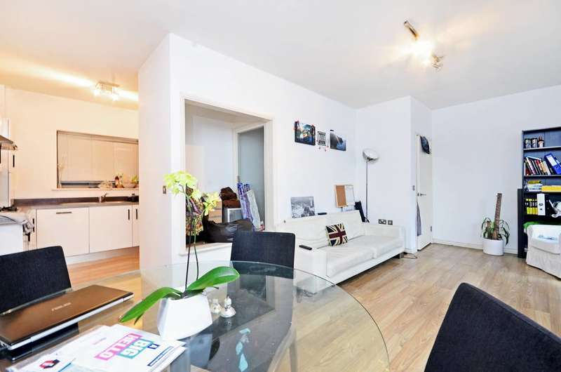 2 Bedrooms Flat for sale in York Way, Islington, N7