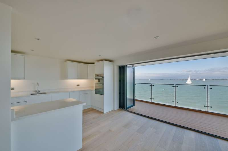 2 Bedrooms Flat for sale in Solent Shores, Princes Esplanade