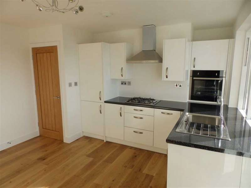 2 Bedrooms Flat for sale in Longfield Estate, London