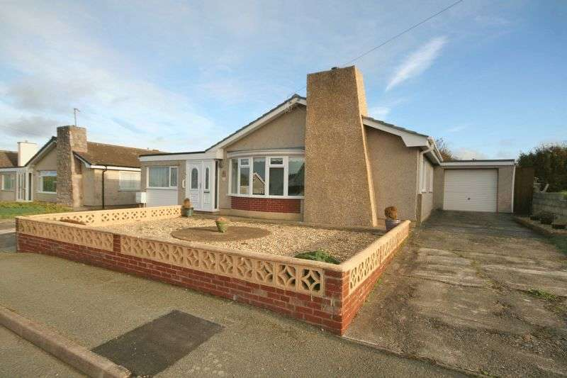 3 Bedrooms Detached Bungalow for sale in Valley, Anglesey