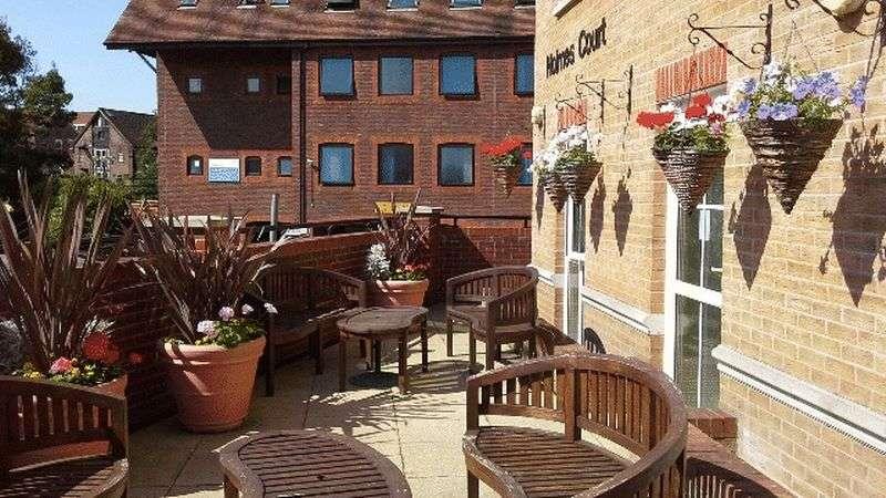 1 Bedroom Retirement Property for sale in Holmes Court, Tonbridge, TN9 1GS
