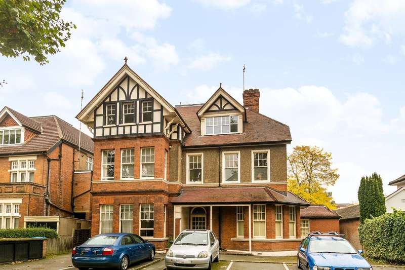 1 Bedroom Flat for sale in Riverdale Gardens, East Twickenham, TW1