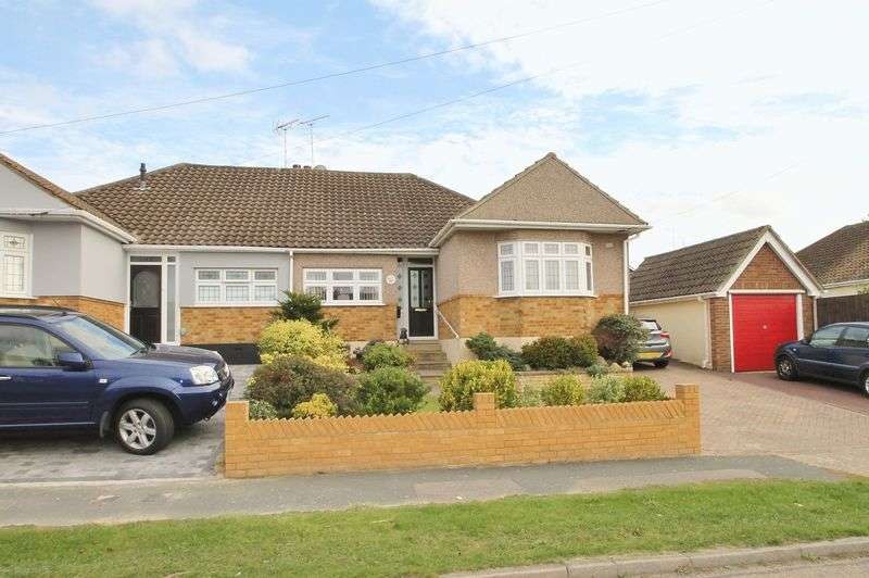 3 Bedrooms Semi Detached Bungalow for sale in Poplar Road, Rayleigh