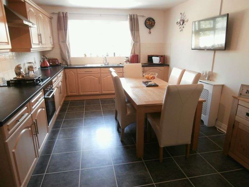 3 Bedrooms Detached Bungalow for sale in Hawthorn Close, Burstwick
