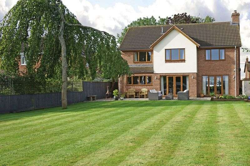5 Bedrooms Detached House for sale in NEW HOUSE, BURTLE, SOMERSET, TA7 8NB