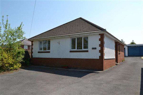 2 Bedrooms Bungalow for sale in Plas Bach, Crosshands Road, South Carmarthenshire, Gorslas