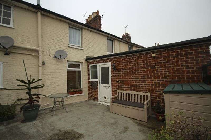 2 Bedrooms Flat for sale in Quarry Hill Road, Tonbridge