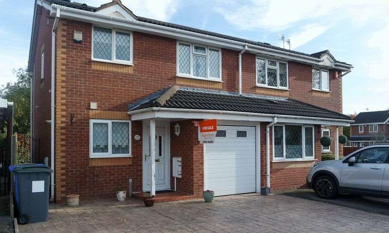3 Bedrooms Semi Detached House for sale in Copplestone Grove, Weston Park, Stoke-On-Trent, ST3 5UD