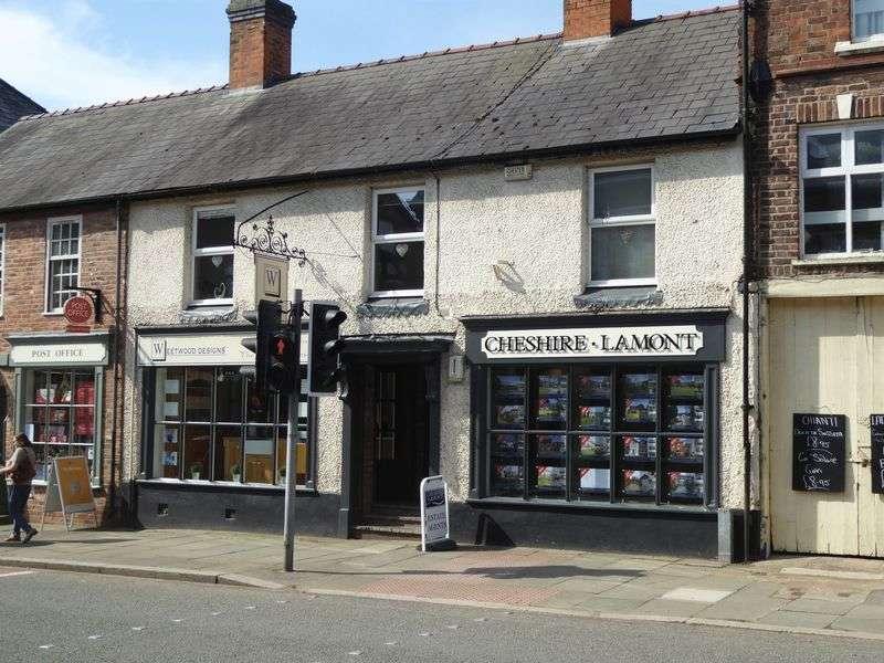 2 Bedrooms Flat for sale in High Street, Tarporley