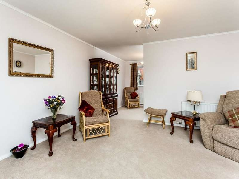 3 Bedrooms Detached Bungalow for sale in Milton Crescent, Auchterarder, PH3