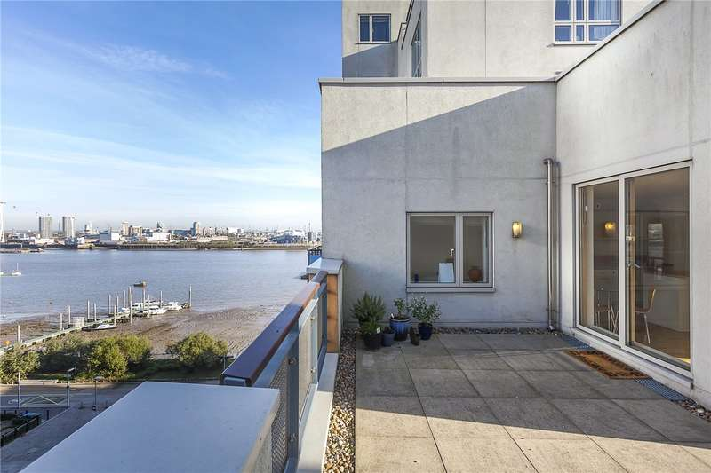 2 Bedrooms Flat for sale in Maurer Court, John Harrison Way, London, SE10