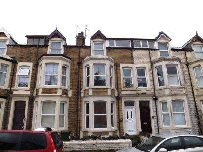5 Bedrooms Terraced House for sale in Clarendon Road, Morecambe, LA3