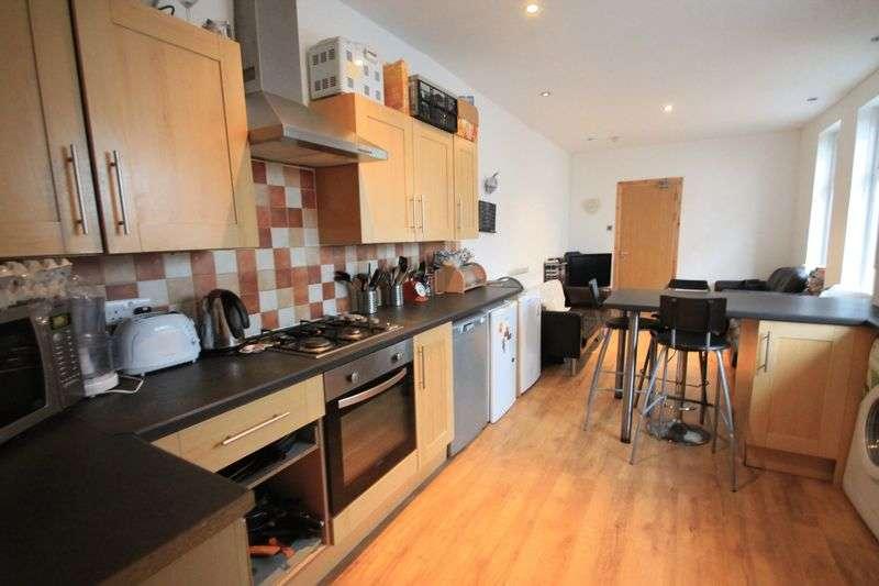 6 Bedrooms Terraced House for rent in Llanishen Street, Cardiff