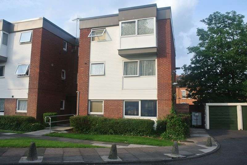 2 Bedrooms Flat for sale in Showell Green Lane, Birmingham