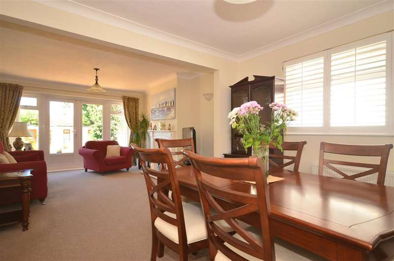 3 Bedrooms Detached Bungalow for sale in Hayling Rise, High Salvington, Worthing, West Sussex