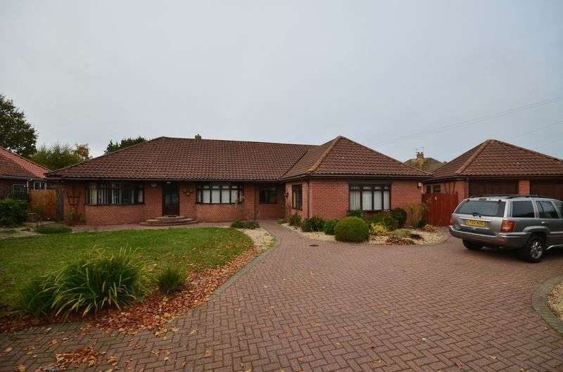 5 Bedrooms Detached Bungalow for sale in Sprowston, Norwich