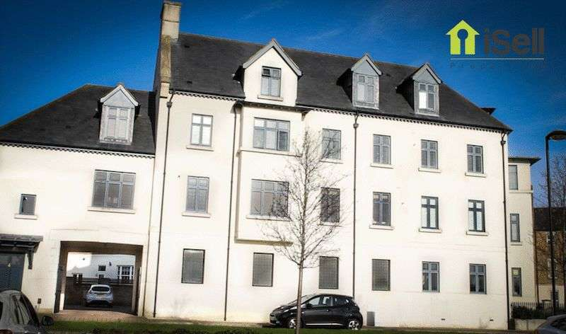 2 Bedrooms Flat for sale in High Street, Upton, Northampton, NN5 4EN