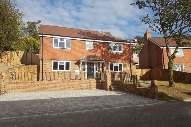 4 Bedrooms Detached House for sale in Hickory Dell, Hempstead, Gillingham, ME7