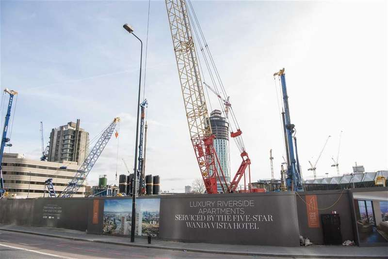 2 Bedrooms Property for sale in City Tower, Vauxhall, London, SW8