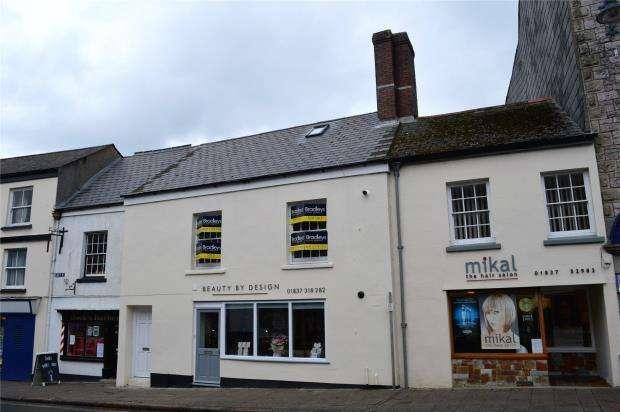 2 Bedrooms Flat for sale in East Street, Okehampton, Devon