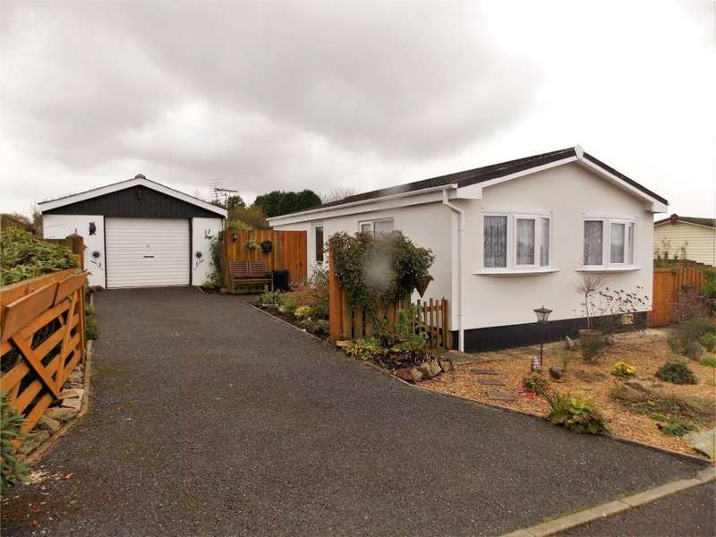 2 Bedrooms Park Home Mobile Home for sale in Greystone Avenue, Gainsborough Park, Foxhole