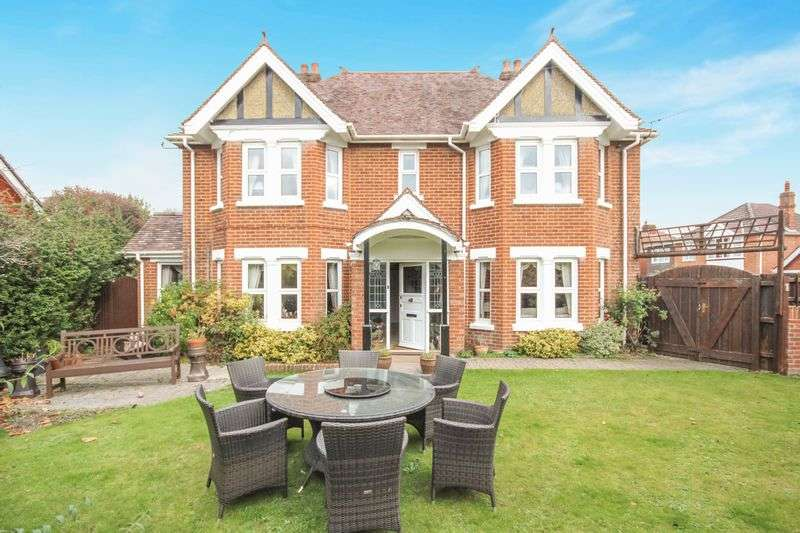 4 Bedrooms Detached House for sale in HARNHAM ROAD, SALISBURY, SP2