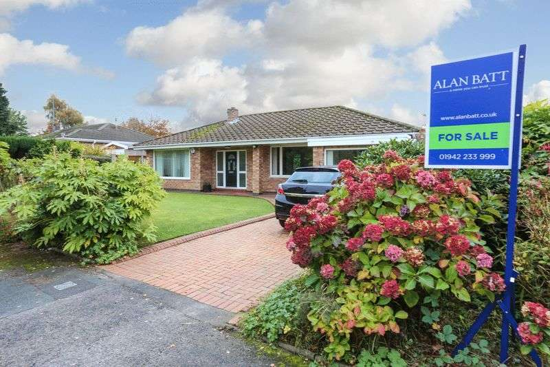 3 Bedrooms Detached Bungalow for sale in Weston Park, Standish Lower Ground