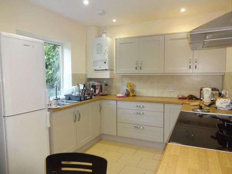 6 Bedrooms Terraced House for rent in Arthur Avenue, Nottingham