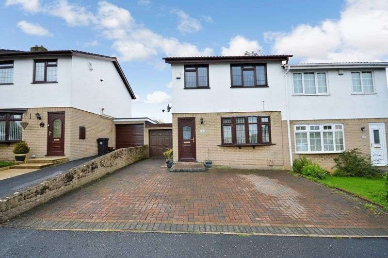 3 Bedrooms Semi Detached House for sale in Acorn Grove, Bristol