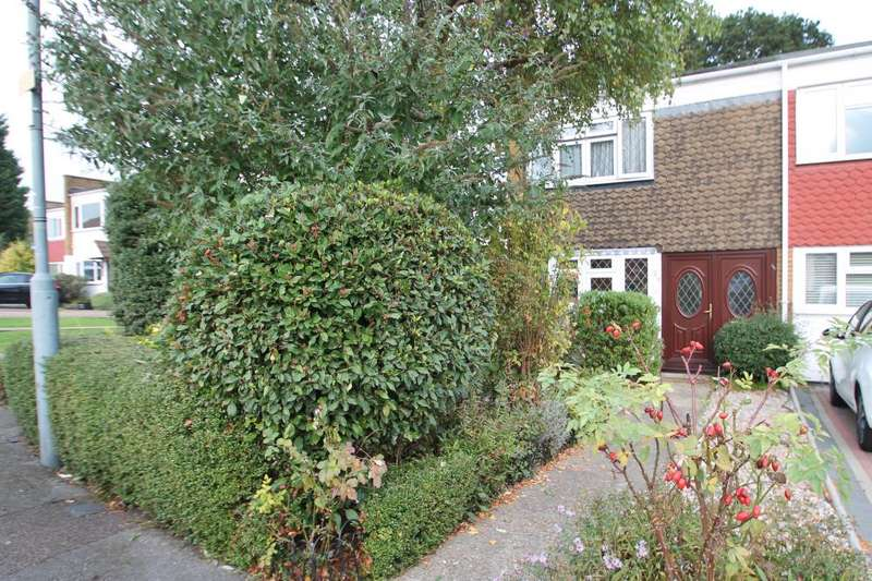 2 Bedrooms Terraced House for sale in LONG GREEN, CHIGWELL