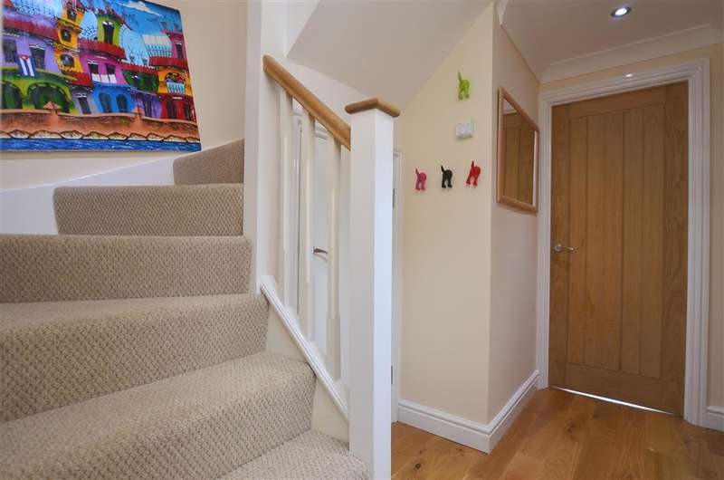 2 Bedrooms Semi Detached House for sale in Broad Oak Road, Canterbury, Kent
